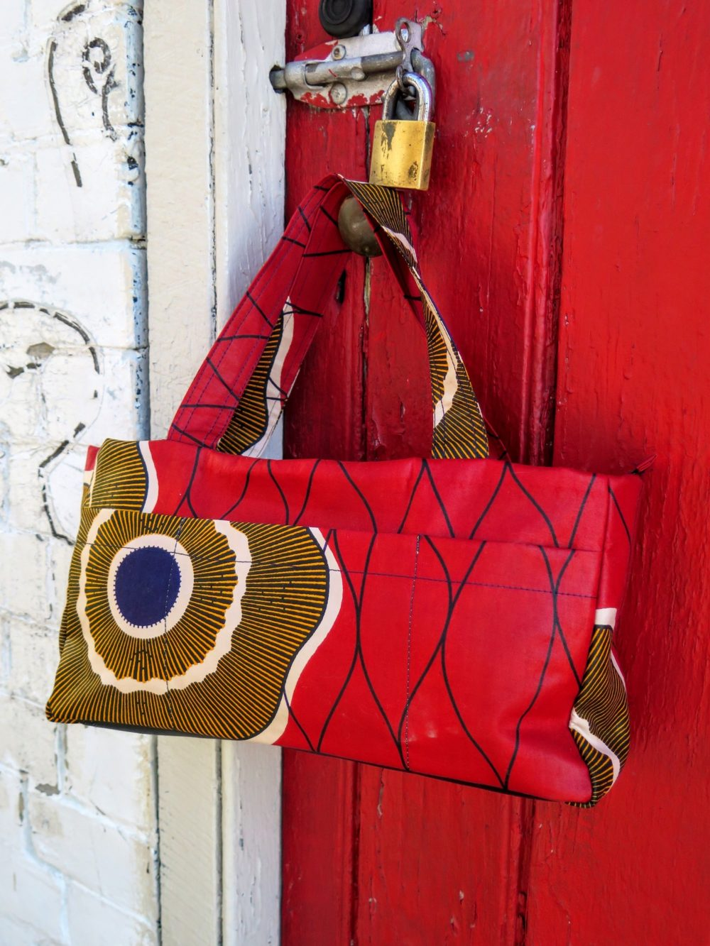 Red Centre Tote